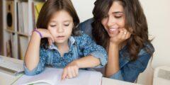 كيف تساعدين طفلك على المذاكرة