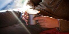 مشروبات تساعد على النوم و اعشاب و اطعمة و مشروبات تمنع النوم